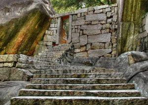 montant ou descendant les escaliers
