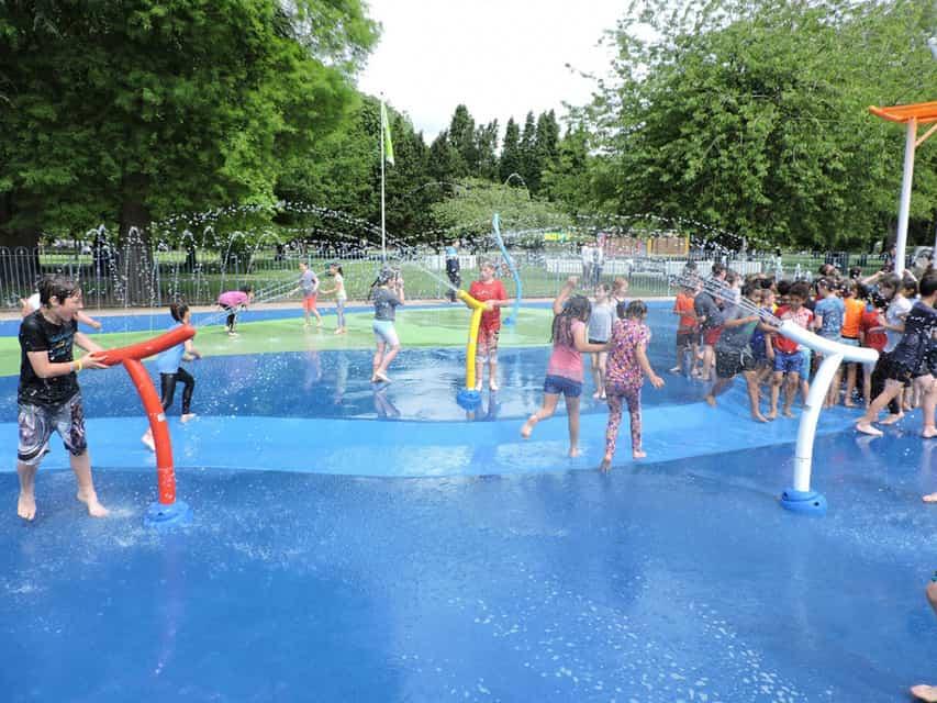 Les 10 Vortex jeux d'eau pour s'amuser en famille!