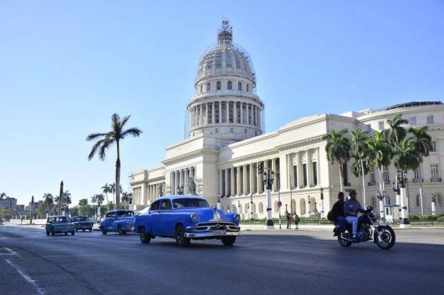 Partager l'amour qui vient de commencer par un séjour à Cuba